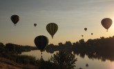 Balloon over the Yakama River